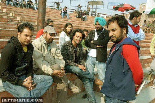 Amrinder Gill Chill Out With His Crew Membes