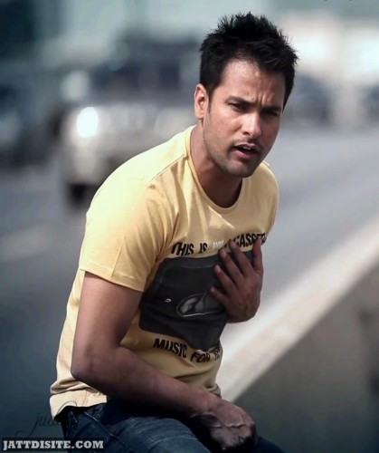 Amrinder Gill During A Vedio Song