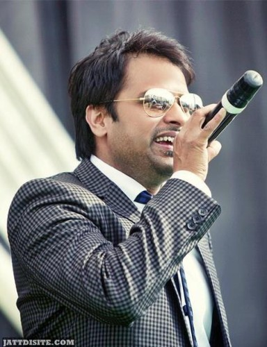 Amrinder Gill On Mike