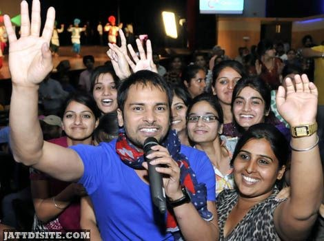 Amrinder Gill With Fans