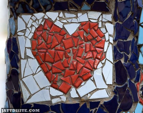 Beautiful Break Up Heart Graphic for Friendster