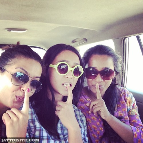 Surveen Chawla With His Bestiees