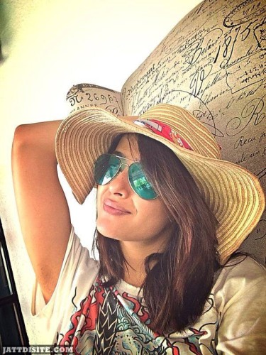 Surveen Chawla With His Hat