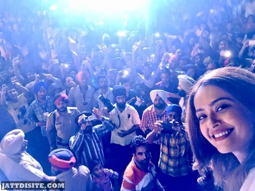 Suvreen Chawla With His Fans