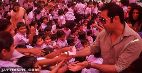 Binnu Dhillon Autograph to school students