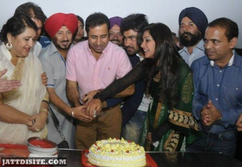 Binnu Dhillon clebrating  Happy birth day with friends