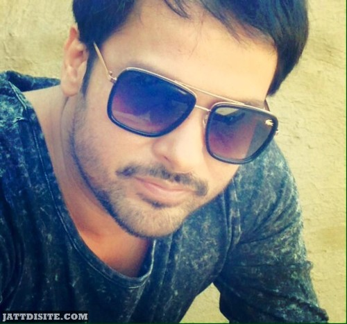 Cute  Picture Amrinder gill