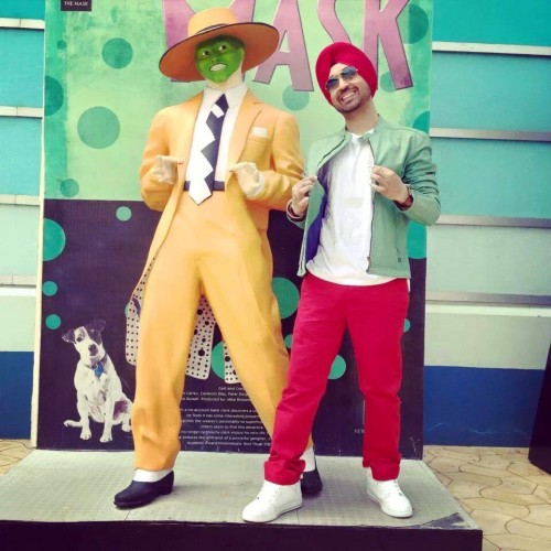 Diljit Dosanjh With A Statue