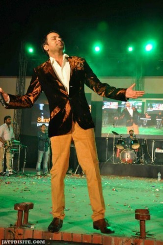 Feeling  Good at Live Show BY Amrinder Gill