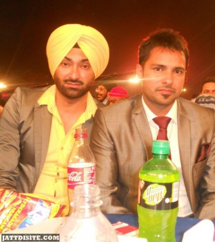 Gurkirpal Surapuri With Amrinder Gill Enjoy PArty