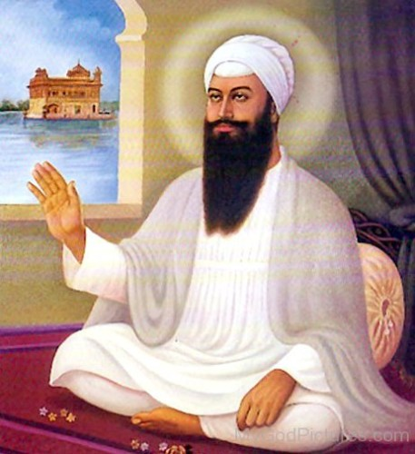 Sri-Guru-Arjan-Dev-Ji-In-White-Dress
