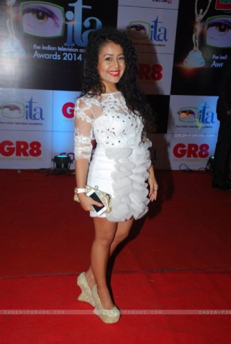 342943-neha-kakkar-at-the-ita-awards-2014