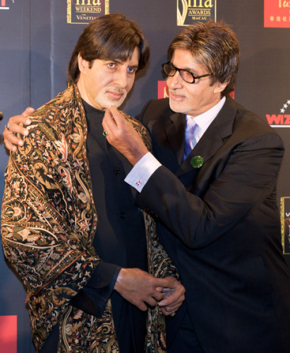 Amitabh Bachchan With His Own Statue