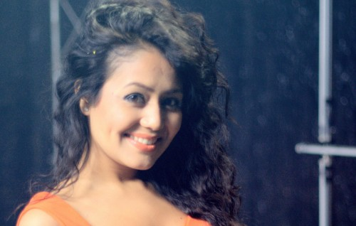 Neha-Kakkar-Cute-Smile-Wallpaper