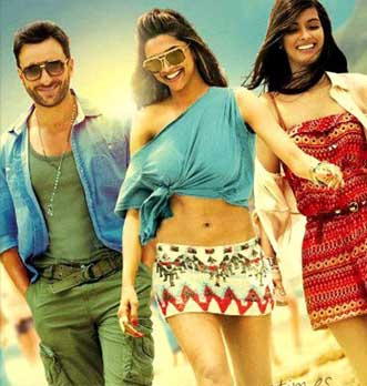 Saif Ali Khan With Co-Actresses In Movie Cocktail