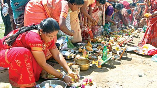 Adi Perukku rituals on the banks