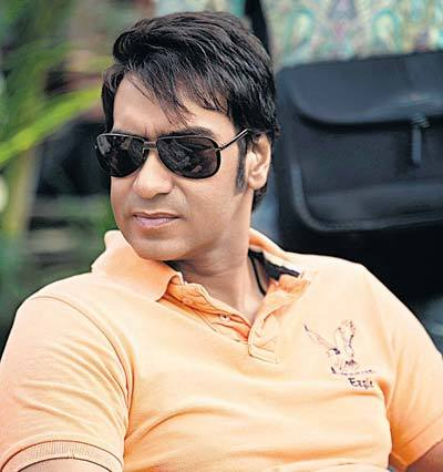 Ajay Devgn  Sie Looking POse