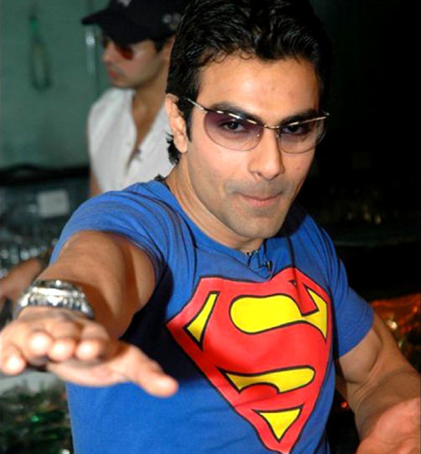 Emraan Hashmi Wearing Superman T-Shirt