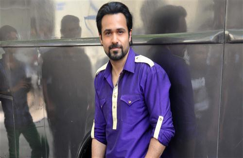 Emraan_Hashmi_Bollywood_Actor_in_Blue_Shirt_HD_Wallpapers