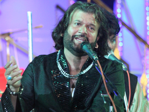 Hans-Raj-Hans-On-Mike27