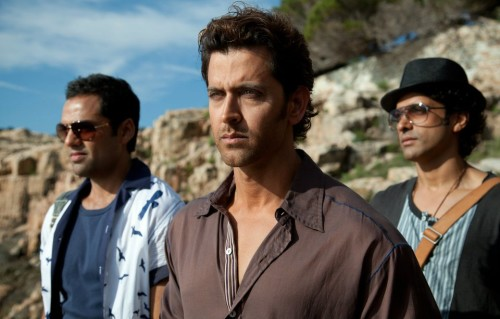 Hrithik Roshan Pose With Two Other Actore