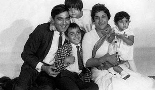 Little Sanjay Dutt With His Family