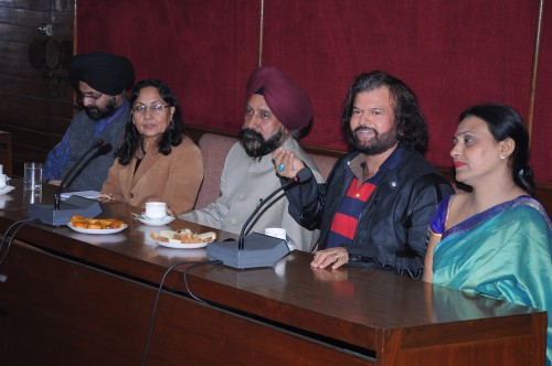 Press Conference with Hans RAj Hans appointed as fellow in GNDU 12-3-2012.jpg (45)