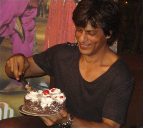 SRK With Cake