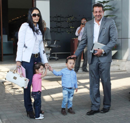 Sanjay Dutt With His Cute Family