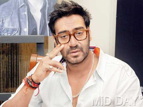 Sensiour Look Ajay Devg