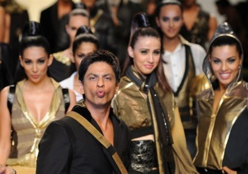 Shahrukh Khan With Cheer Leader s