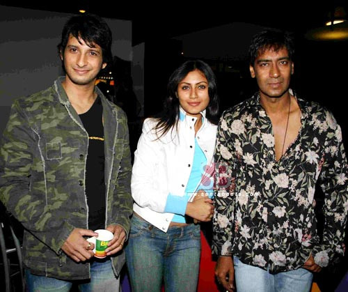 Sharman Joshi with Rimmi Sen and Ajay devgan