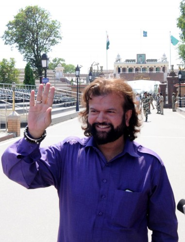 Singer Hans Raj Hans at Attari-Wagah land border near Amritsar on May 26, 2014. (Photo: IANS)