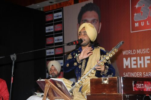 myk2vqvpo0n551yn.D.0.Singer-Satinder-Sartaj-performing-at-Mehfil-E-Sartaaj-live-concert-on-World-Music-Day-in-Mumbai--3-