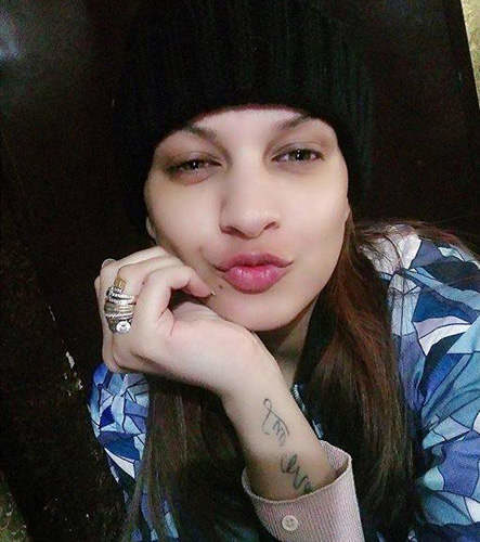 himanshi_khurana_without_makeup